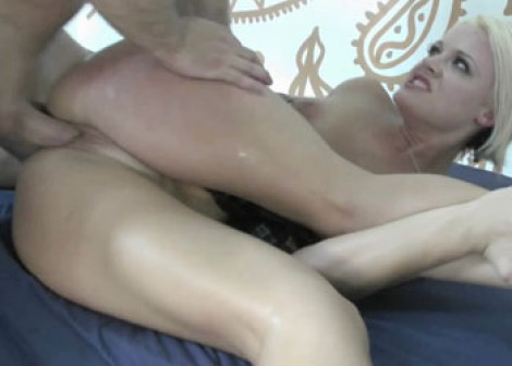 Cute blonde Jasmine bangs the janitor